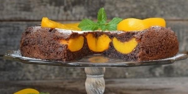 Шоколадный торт со взбитыми сливками » Вкусно и просто. Кулинарные рецепты с фото и видео