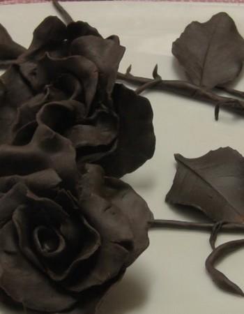 Как сделать розу из шоколада на торт своими руками