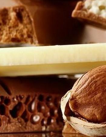 Как делают шоколад с воздушными шариками
