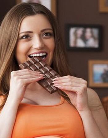 Шоколад во время беременности: польза и вред