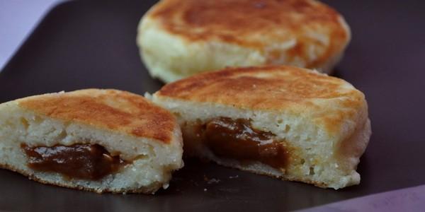 Сырники из творога с шоколадом внутри - рецепт пошаговый с фото