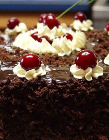 Рецепты тортов на основе шоколада с вишней