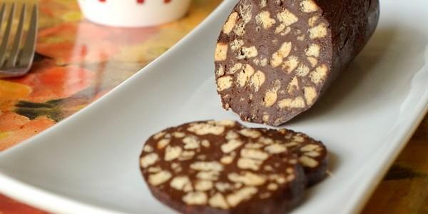 Как приготовить шоколадную колбасу из печенья