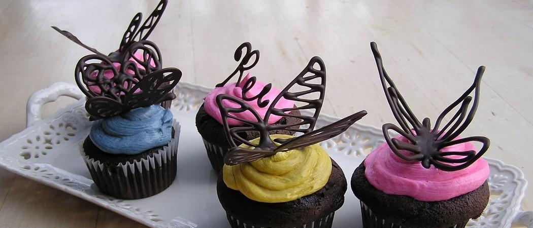 Декор из шоколада для торта: мастер-класс, фото и видео-рецепты, как делать шоколадные украшения