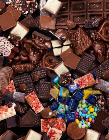 Как сделать плакат или открытку с конфетами, идеи для разных событий
